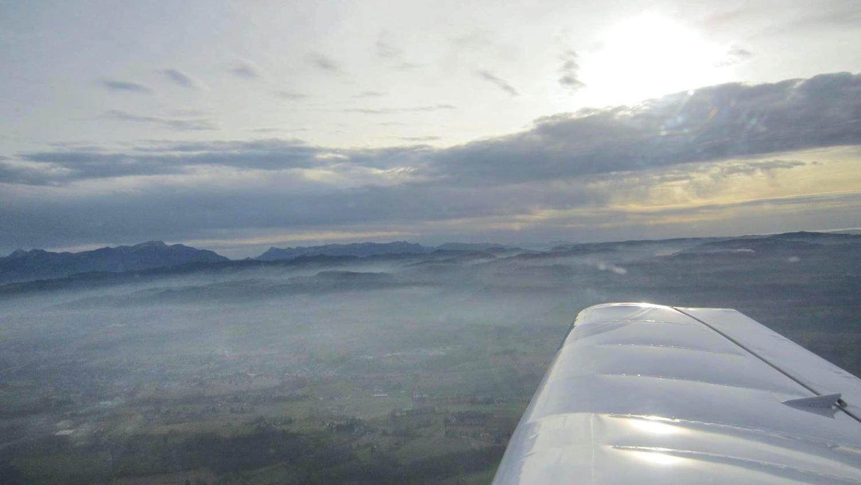 Les environs de Grenoble-Alpes-Isère sous la brume